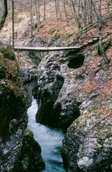 Korita Mostnice