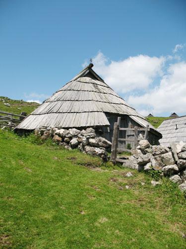 etno kmetije velika planina preskarjeva bajta blizu Preskarjeva bajta na Veliki planini