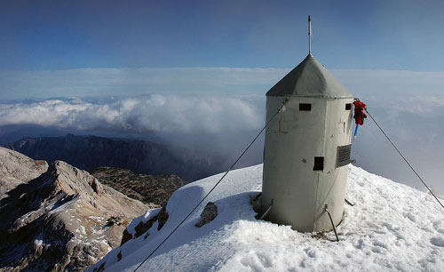 Vrh Triglava z Aljaževim stolpom