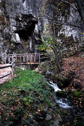 Vhod v Jamo Pekel