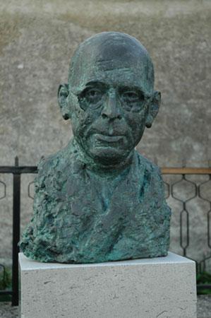 Doprsni kip Stanka Premrla v Podnanosu