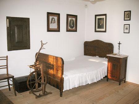 Postelja v hiši