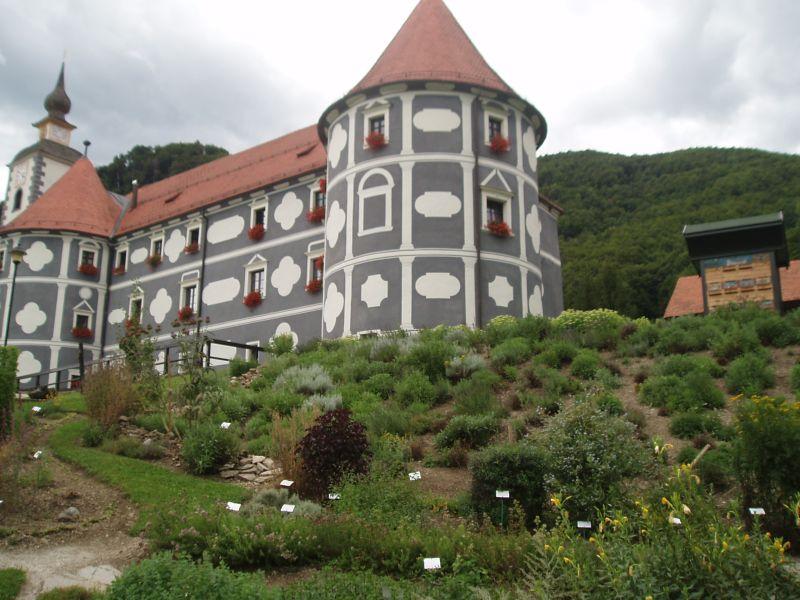 blogi 129 izlet olimje samostan rozce Olimje - samostan in čokoladnica