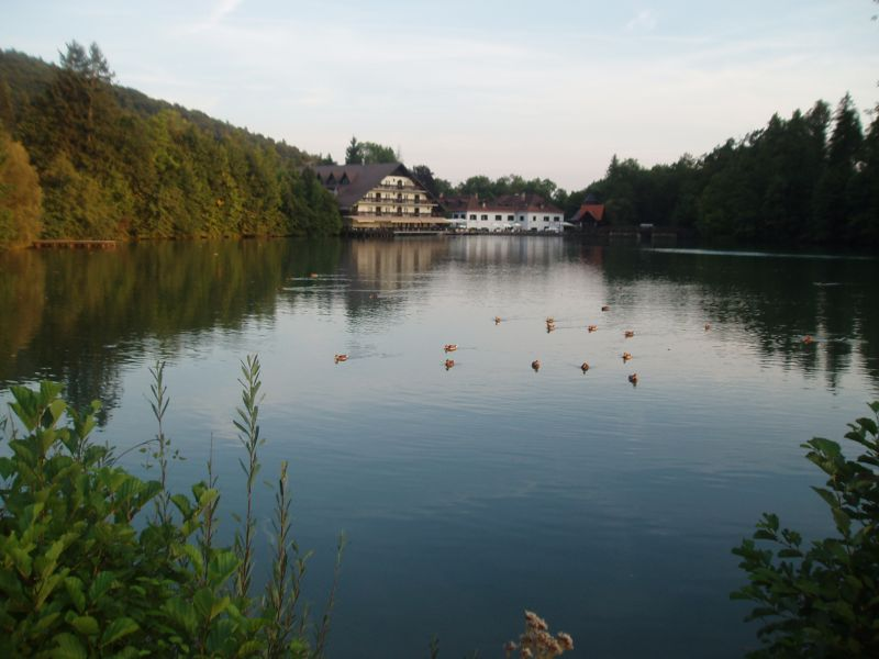 Preddvor Hotel Bor Grad Hrib jezero Črnava