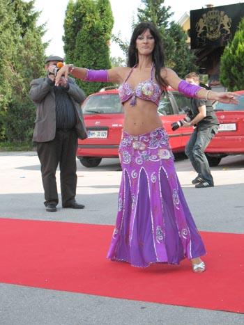 blogi 380 Krona trebusna plesalka Domžalska Krona