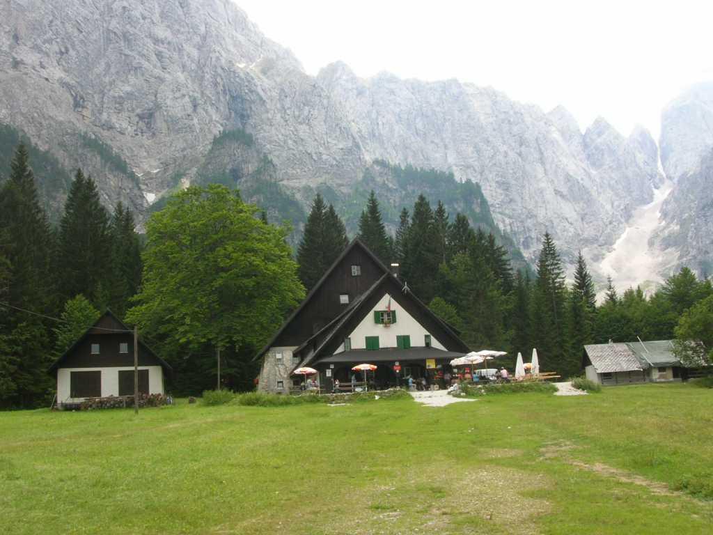 Tamar - planinski dom in kapela