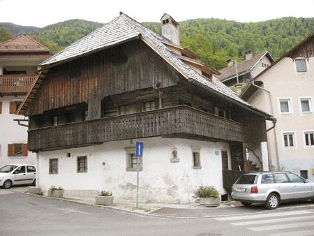 Kurnikova hiša