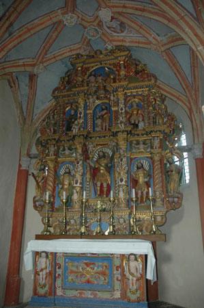 Veliki zlati oltar v cerkvi sv. Kancijana v Britofu