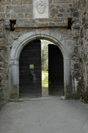 Skozi grajska vrata