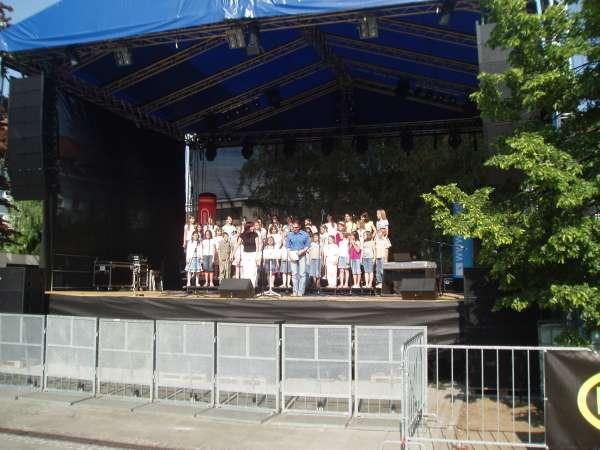 Otroski pevski zbor OŠ Orehek