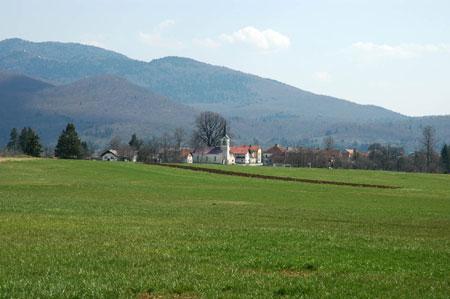 Pudob (578 m), obcestna vas sredi Loškega polja, leži ob cesti Stari trg pri Ložu-Babno Polje ob ponikalnici Velikem Obrhu. Tik ob Velikem Obrhu stoji podružnična cerkev sv. Jakoba.