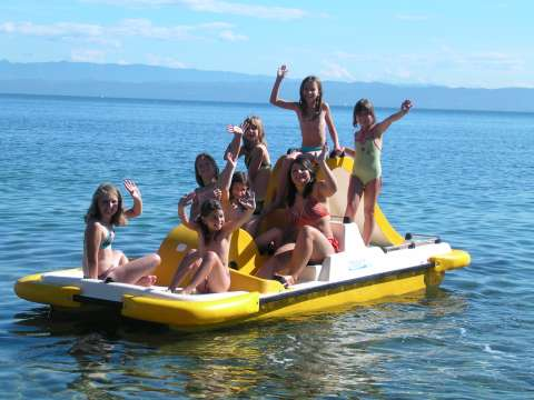 Otroci na morju
