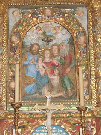 Reliefna podoba sv. Družine v cerkvi sv. Barbare.