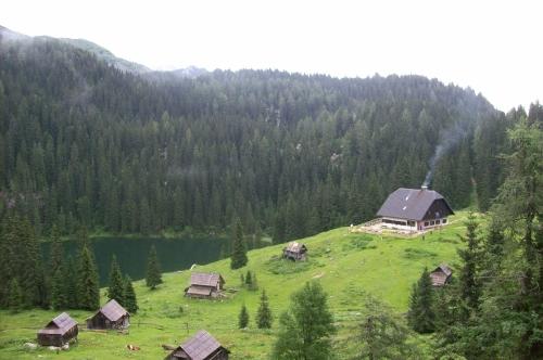 Planina pri jezeru 1453 m