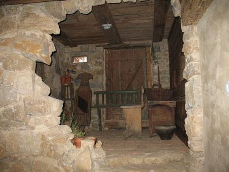 etno kmetije kozjanska ostanek hlevcka Kozjanska domačija