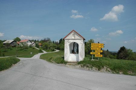 Razcep poti ob Marijini kapelici v Svetem Vidu