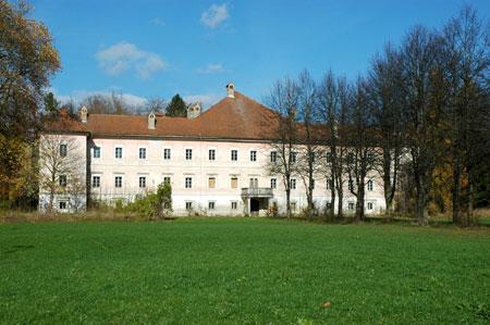 Dvorec Valburga