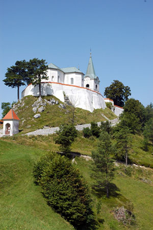 Župnijska cerkev Marijinega rojstva na Sveti gori nad Litijo