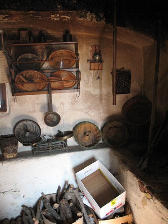 etno kmetije jalnova crna kuhinja Jalnova hiša na Rodinah